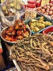 strange food choices at a Hong Kong local market